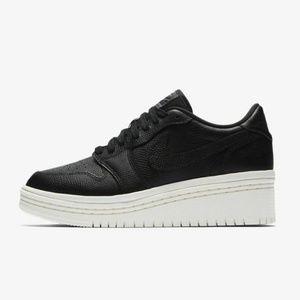 Nike Air Jordan Retro 1 Low Lifted black AO1334 8